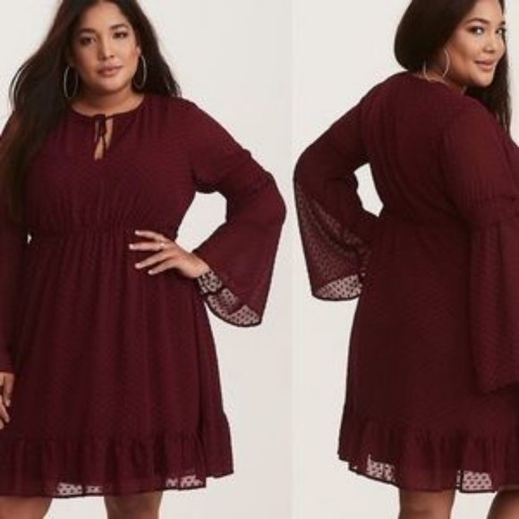 torrid Dresses & Skirts - Torrid burgundy textured skaters dress